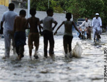 story.pakistan.storms.gi.jpg