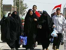 story.iraq.pilgrims.afp.gi.jpg