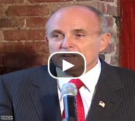 Giuliani Shocks Yankee Fans Backs Red Sox In World Series